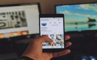 Using Social Media Sites to Engage Customers